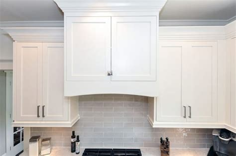 kitchen cabinet light rail image result for light rail on shaker cabinets my