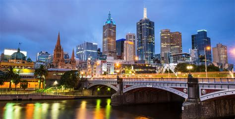 Why is Melbourne growing faster than any other population.