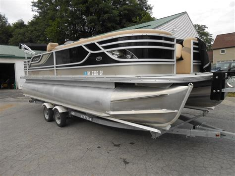 Crest Boats by Used Pontoon Crest Boats For Sale 3 Boats