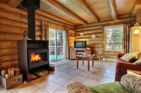 loup blanc au chalet en bois rond cottages apartments tourist homes sainte christine d