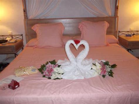 chambre nuit de noce votre chambre nuptiale décorée pour une nuit de