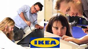 Lebkuchenhaus Bausatz Ikea : couples race to build ikea furniture youtube ~ Buech-reservation.com Haus und Dekorationen