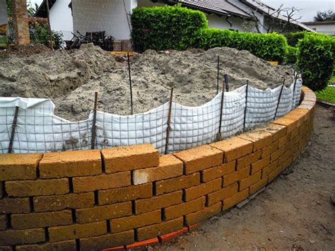 mattoni tufo per giardino prezzi mattoni tufo giardinaggio mattoni in tufo per il giardino