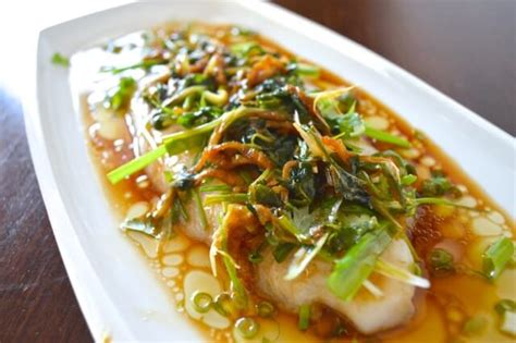 cuisine cantonaise recettes cantonese steamed fish a 20 minute recipe the woks of
