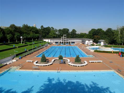 Swimming Pool Frankfurt by Ehrf 252 Rchtig Frankfurt Swimming Pool Im Gesamten In The