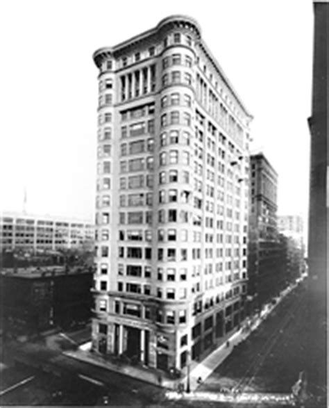 chicago travel itinerary  colony building