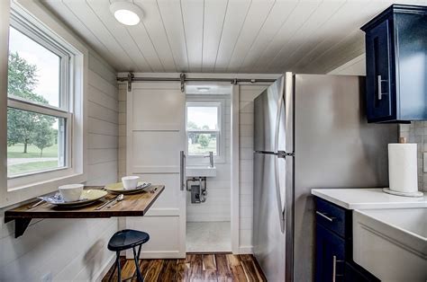 2 Tiny Häuser Verbinden by Tiny House Town Kokosing By Modern Tiny Living