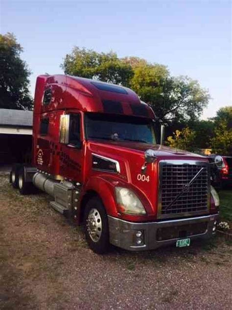 volvo 880 truck volvo 2006 sleeper semi trucks