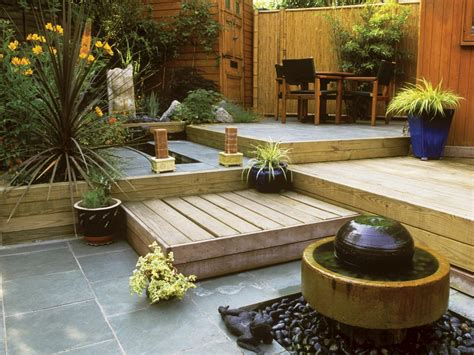 Small Backyard Ideas With Or Without Grass