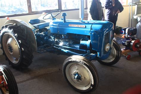 fordson dexta fordson dexta tractor construction plant wiki the classic vehicle and machinery wiki