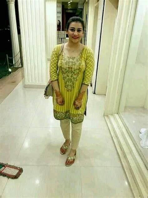 mona alam biography salary height age family net worth