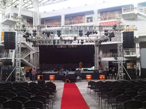 outdoor stage setup   concert outdoor stage outdoor