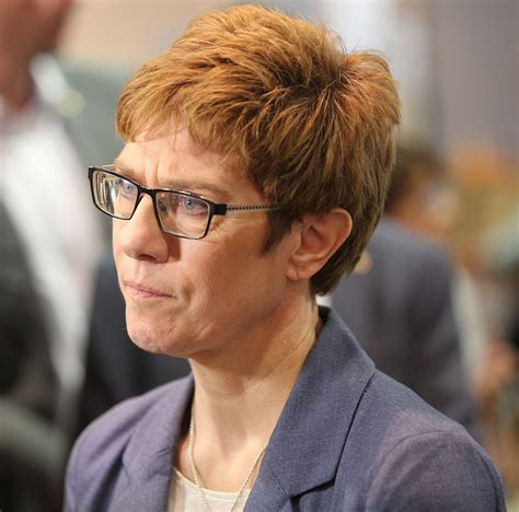 Presidential elections, the german debate over the future of transatlantic relations is fractious. Annegret Kramp-Karrenbauer — Wikipédia