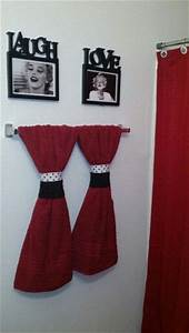 Cheap black white and red marilyn monroe themed apartment for Black white and red bathroom decorating ideas