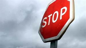 Panneau Stop Paris : le panneau stop une esp ce rare paris ~ Medecine-chirurgie-esthetiques.com Avis de Voitures