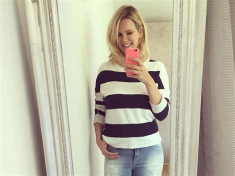 5 Wochen Nach Geburt! Monica Ivancan Passt In Alte Jeans