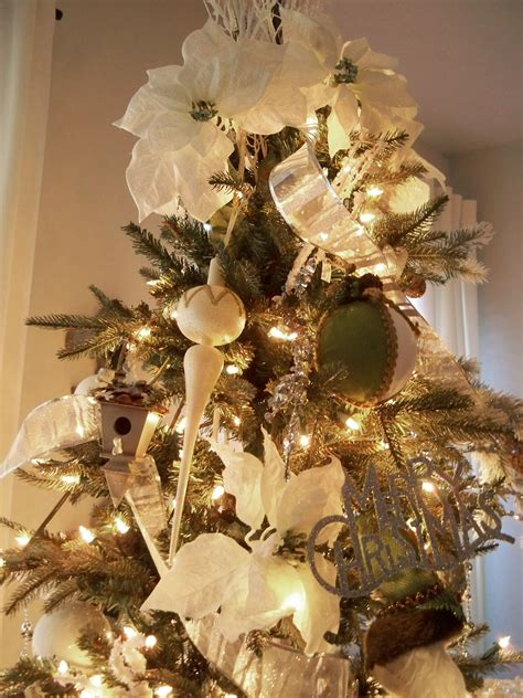 elegant christmas tree decorating ideas  ribbon