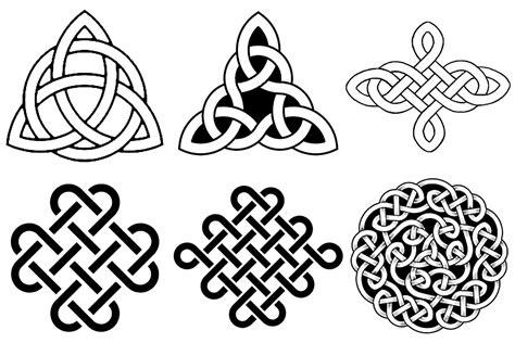 keltische tattoos bedeutung keltische knotenmotive kronjuwelen bastel