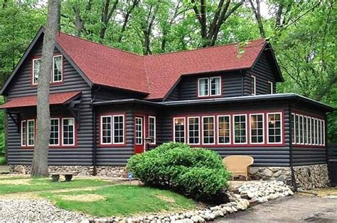 exterior paint colors for cabins 10 log cabins to warm up a chilly circa houses houses for sale and historic