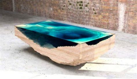 tisch holz glas designer tisch aus glas und holz erinnert an die tiefe des ozeans