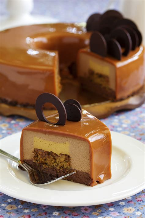 dessert chocolat blanc et noir entremet chocolat cake ideas and designs