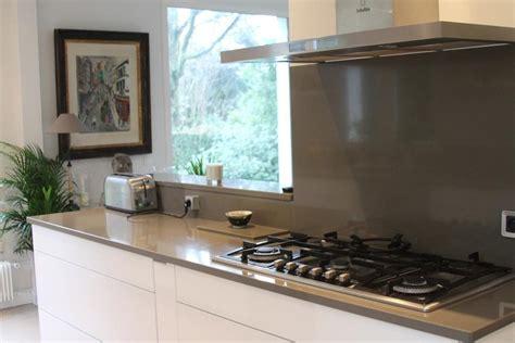 cuisine beige et bois déco cuisine grise et beige exemples d 39 aménagements