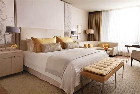 how to choose bedding for the guest bedroom must be carefully thought about so as not to clash colors if the walls in the bedroom are painted a pale four seasons bed mattress topper simmons bedding company