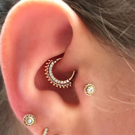 A rose gold Auron from BVLA in a daith #safepiercing