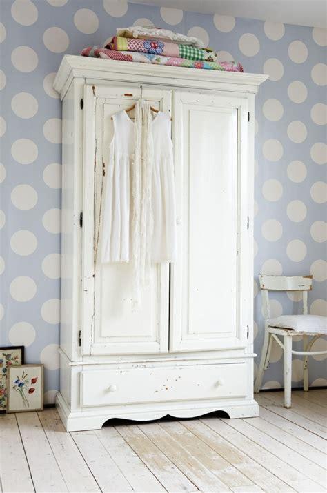 chambre pour bébé best armoir en pin massif peint pour chambre bebe ideas