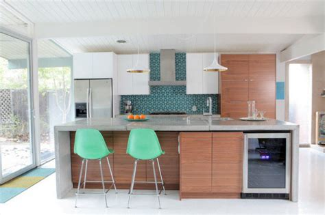 18 Remarkable Mid-century Modern Kitchen Designs For The