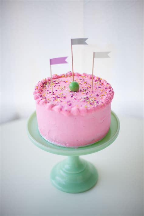 moms pink birthday cake star wars coco cake land