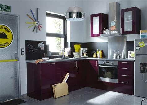 ambiance cuisine modèle ambiance cuisine gris et violet