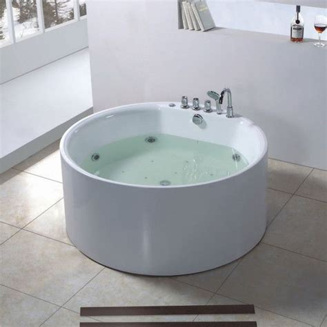 Spa Tubs For Small Bathrooms by 6 Cool Japanese Soaking Tubs For Small Bathrooms Ideas