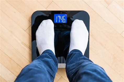 smart scales   reviews  wirecutter
