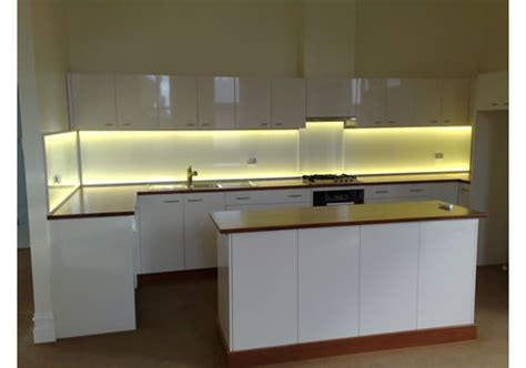 bandeau lumineux cuisine splashlite led kitchen splashback light from ledfx