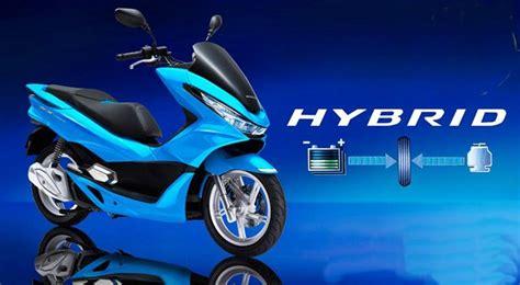 Pcx 2018 Vs Pcx Lama by Pcx 2018 Vs Pcx Hybrid เป ดต ว 2018 Honda Pcx Hybrid และ