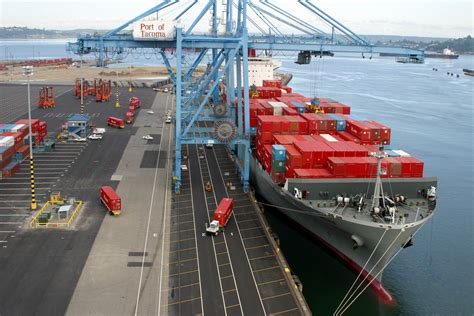 Ship Port by Ports Could Hasten Freight Traffic By Doubling Up On Crane