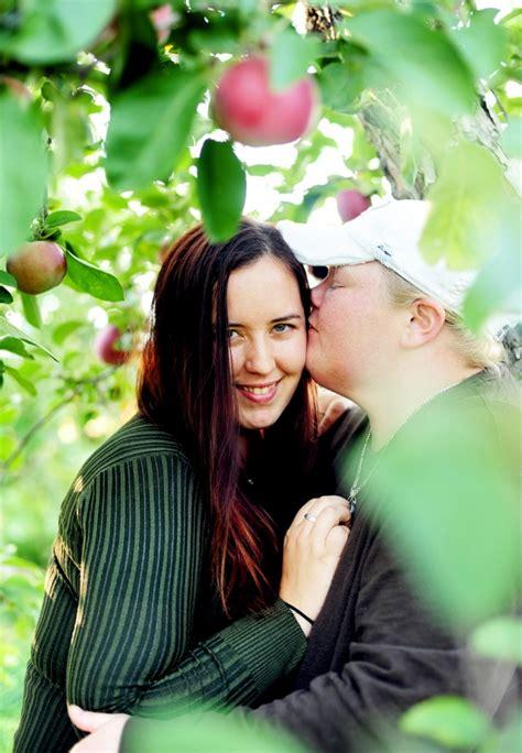 alisa kim engaged wallingfords orchard engagement