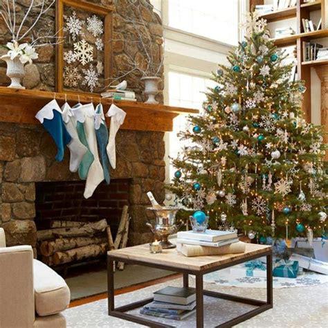 wohnzimmer weihnachtlich dekorieren wohnzimmer weihnachtlich dekorieren wei 223 blau christbaum weihnachtssterne