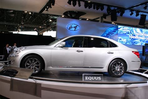 New Hyundai Equus by New York Hyundai Equus Photo Gallery Autoblog