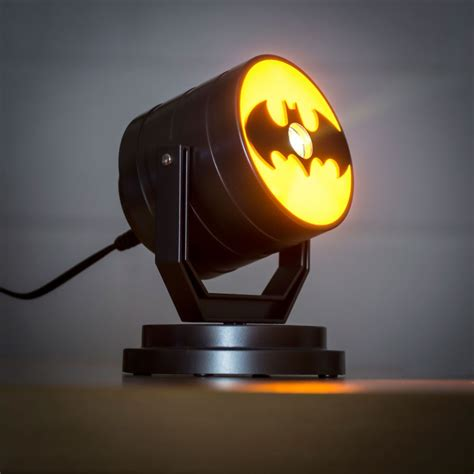 Projector Light by Batman Projector Light Quot Awesome Bat Signal Light Menkind