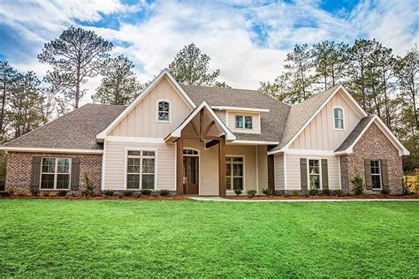 Gorgeous Craftsman House Plan With Bonus Over Garage