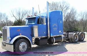 1990 Peterbilt 379 Semi Truck