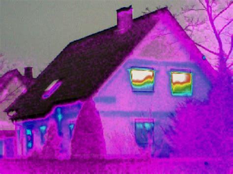 Thermografie So Machen Sie Waermeverluste Am Haus Sichtbar by Thermografien W 228 Rmebilder K 246 Nnen Die Problemzonen Ihres