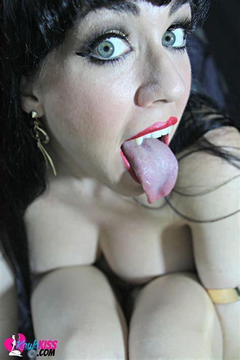 Kayla Shows You Her Dark Sideas Vampirella Coed Cherry