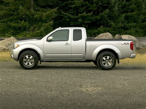 nissan frontier price  reviews features