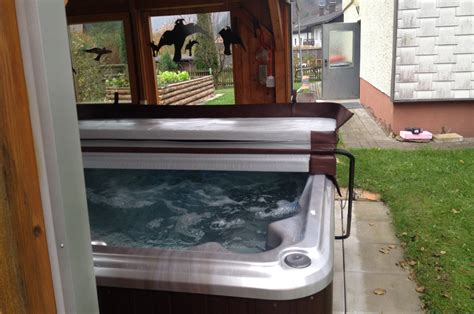 Whirlpool Im Gartenhaus by Whirlpool Im Gartenhaus Excellent Whirlpool With