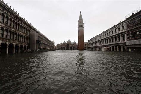 ต่างประเทศ - อากาศป่วนอิตาลี ฝน-พายุกระหน่ำ แถมไฟไหม้ป่า