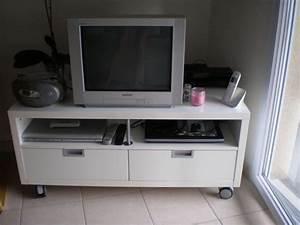 Meuble Tv Roulettes Ikea : meuble tl tv ikea besta jagra brun noir occasion clasf ~ Melissatoandfro.com Idées de Décoration
