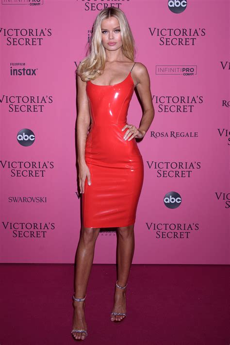frida aasen attends victorias secret fashion show